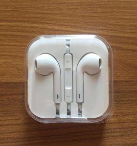 Стереогарнитура-наушники Apple EarPods