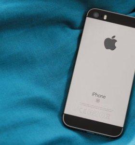 Айфон  SE 64 gb +чехол оригинал