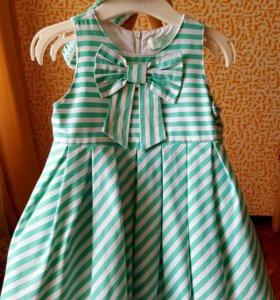 Очаровательное платье для малышки.