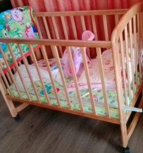 Кроватка с приданым