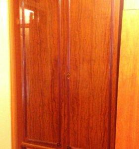 Шкаф для одежды с комодом