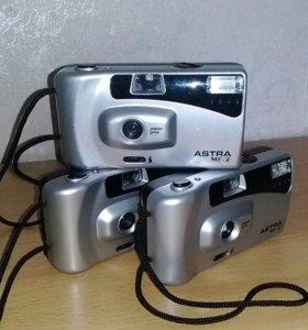 Фотоаппарат плёночный 100руб..