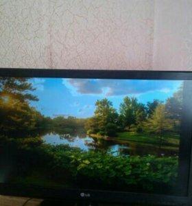 Лед телевизор LG 81см