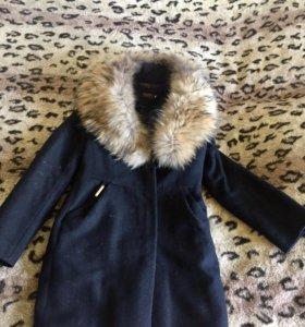 Пальто зимнее  с мехом , шуба, куртка