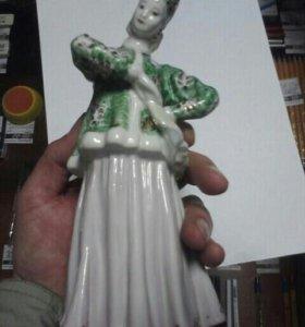 фарфоровые статуэтки Лебедушка дулево