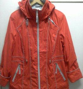 Курточка-ветровка.