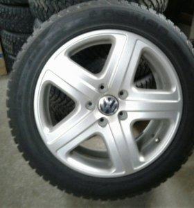 Диски на VW Touareg с зимней резиной.