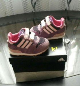 Детские кросовки adidas. 20 размер