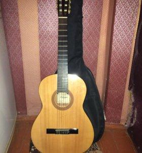 Гитара 6 струн с чехлом и подставкой