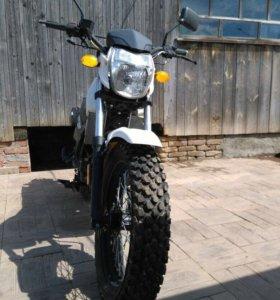 Мотоцикл Десна Фантом 220