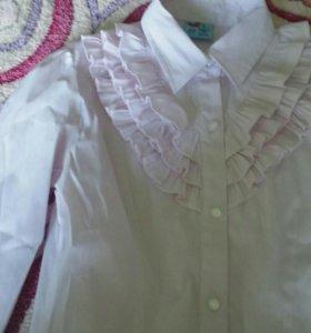 Школьные блузки 134-140 бу