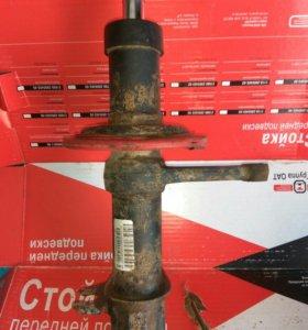 Стойка передняя правая ВАЗ 2110