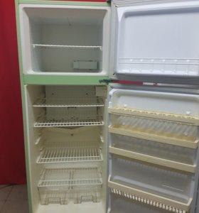 Холодильник Еniem б