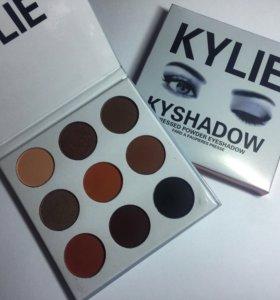 Палетка теней Kylie