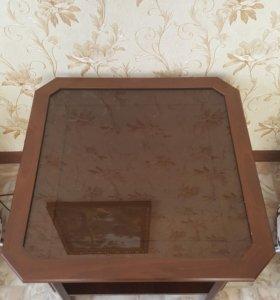 Продам столик в отличном состоянии