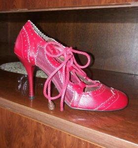 Туфли красные новые 38