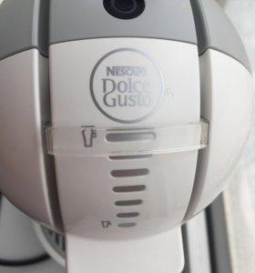 Кофе машина Nescafé dolce gusto