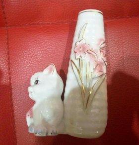 Сувенирная маленькая вазочка