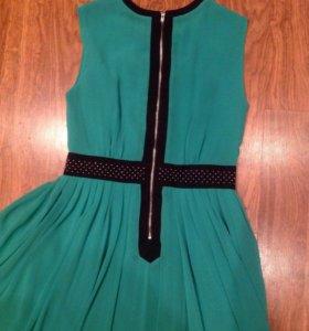 Новое длинное зелёное платье