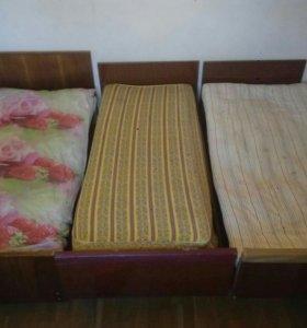 Кровати деревянные (на выбор)