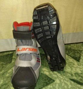 Лыжные ботинки детские, размер 34