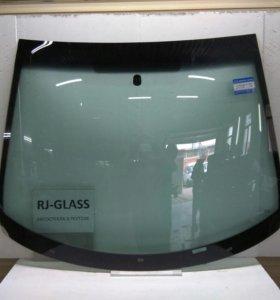 Лобовое стекло на Peugeot
