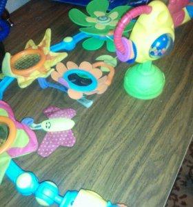 Качественные детские игрушки для каляски и столика