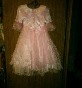 Продам новые платья . Второе платье в подарок.
