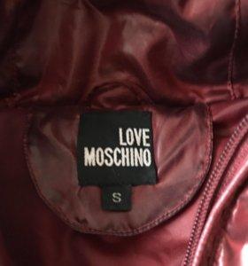 Пуховик Moschino