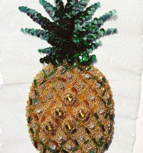 """Авторская вышивка на одежде """"ананас"""""""