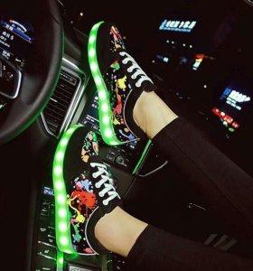 Кросовки светящиеся