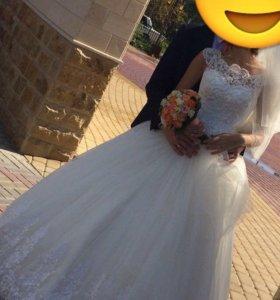 Свадебное платье от 42 до 46 размера можно