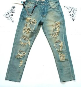 В наличии джинсы рванки