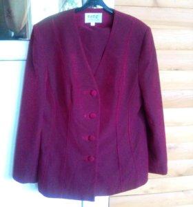 Новый костюм ( пиджак + юбка) на подкладке.