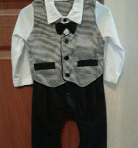 Нарядный костюм для малышей.