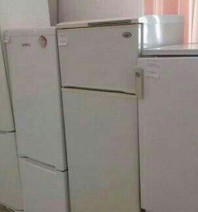 Холодильник .