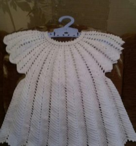 Ручная работа.Детское вязаное платье не б/у.