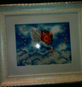 Иконы и картины вышитые бисером в багетах
