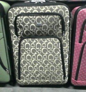 Новые чемоданы со скидками..