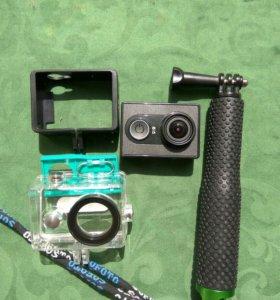 Экшн-камера Xiaomi YI + аквабокс + бампер