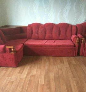 Продам мягкий уголок. Раздвижной диван и кресло