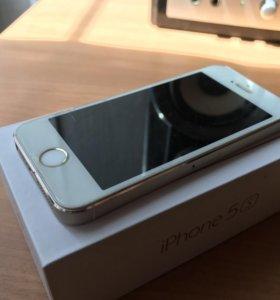 Айфон iPnone 5s золотой