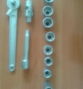 Набор инструмента для ремонта авто