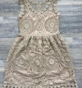 Платье кружевное размер s