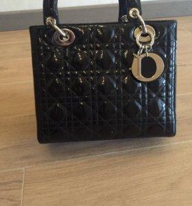 Продам сумку Dior