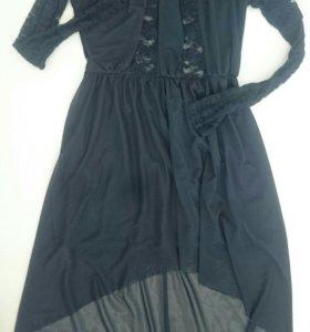 Чёрное платье с гипюровыми вставками