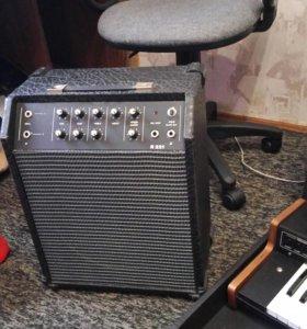 Комбик и синтезатор