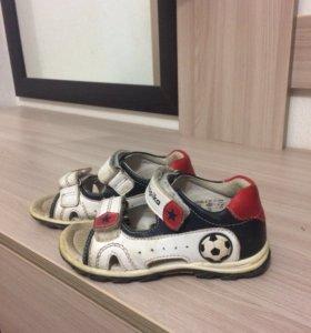 Детские сандали, размер 25