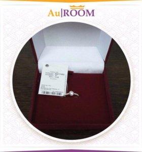 Кольцо из серебра с фианитами 1,32 гр размер 17