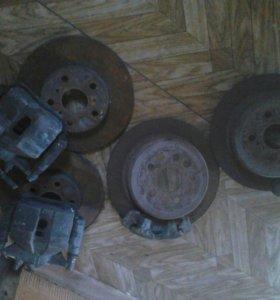 Комплект тормозные дисков и суппортов от тойоты